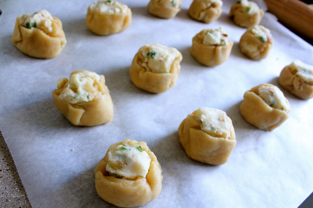 Garlic Mashed Potato Knishes - What Jew Wanna Eat