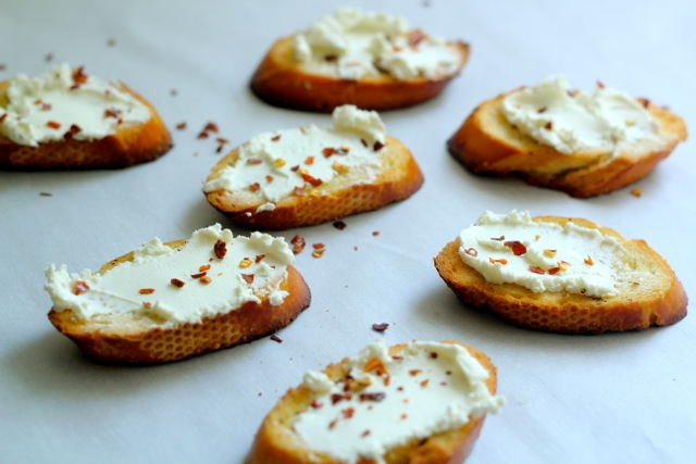 Apples, Honey & Goat Cheese Crostini