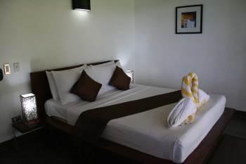 Cadlao Resort 02