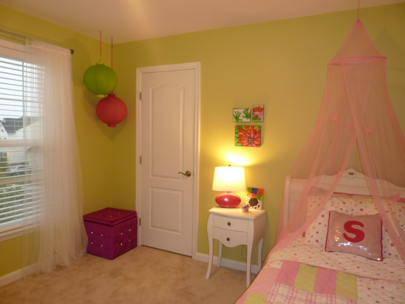 Pink and green girls room, Sherwin Williams Sweet Hearts of Palm