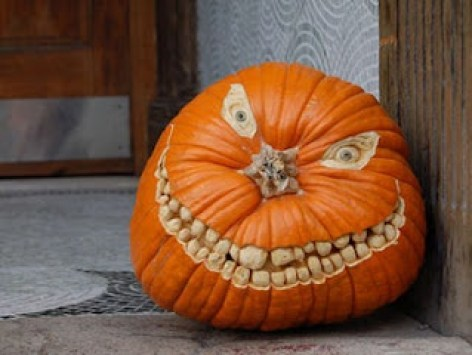 scary carved pumpkin