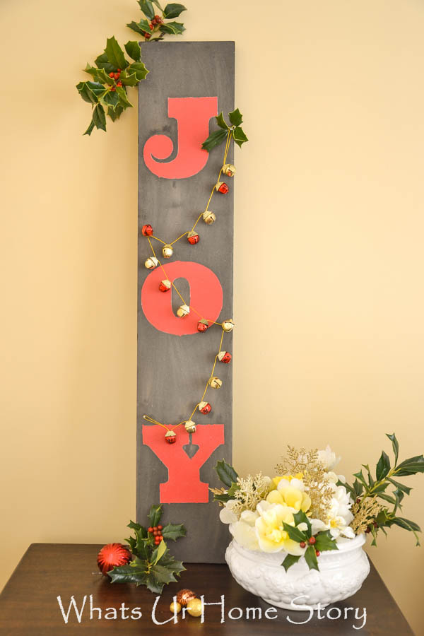 Step by Step tutorial on how to make this DIY JOY sign. Christmas Joy Sign-Driftwood Joy sign
