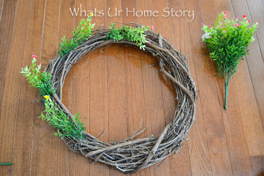 Easter Craft Ideas - How to Make an Easter Egg Wreath