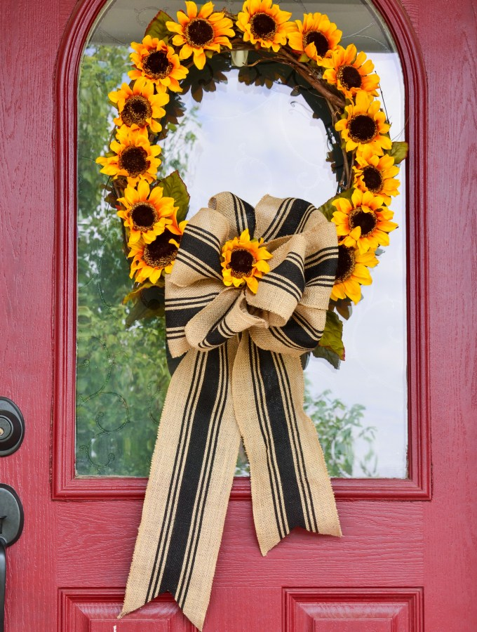 make-this-pretty-fall-sunflower-wreath-in-10-minutes