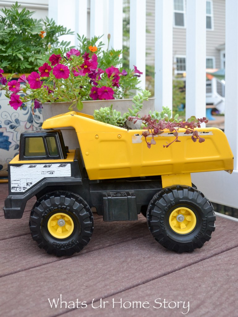 make-an-old-toy-truck-a-succulent-planter