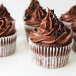 foodiesfeed.com_oreo-chocolate-cupcakes-with-chocolate-ganache