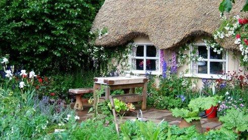 english-country-pub-garden-737948