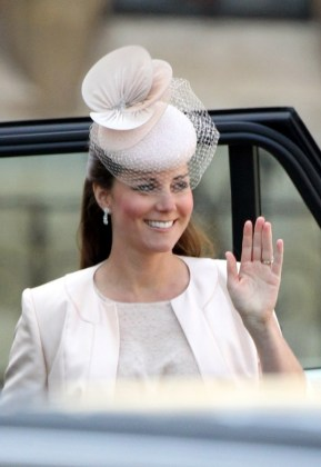 Kate+Middleton+Arrivals+60th+Anniversary+Coronation+jQ6ebXapLIIx