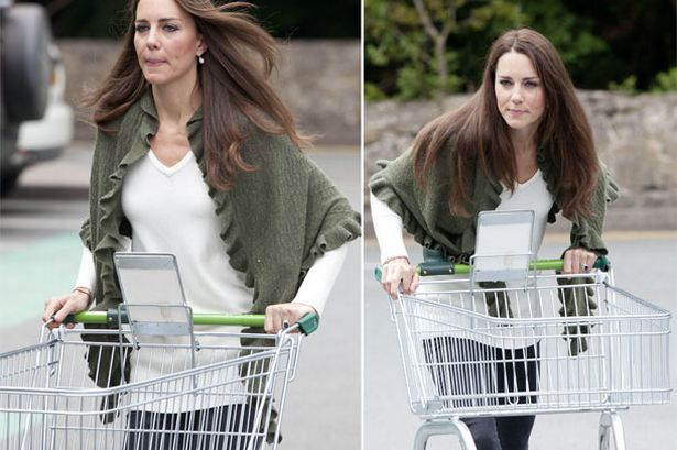 Kate seen Grocery Shopping in 2011 - Picture from Mirror.co.uk
