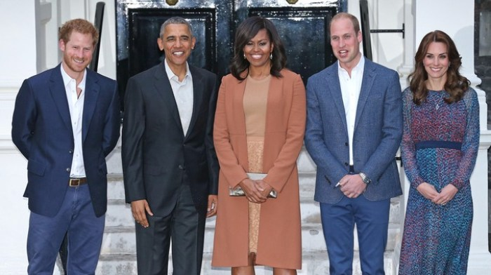 Obamas Visit Kensington Palace