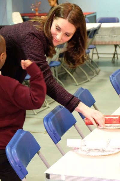 Kate makes a Christmas visit to the Rugby Portobello Trust