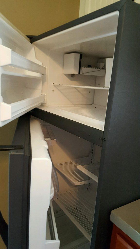 paint-ugly-refrigerator-2