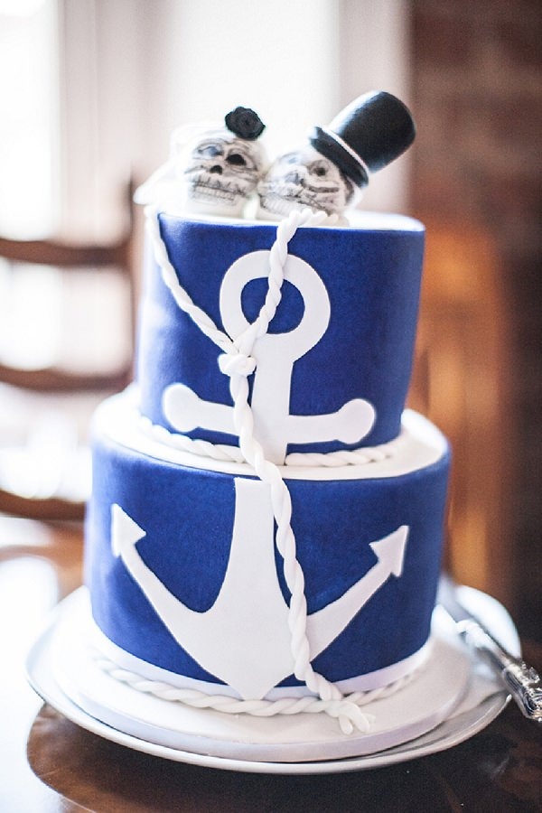 skull anchor wedding cake