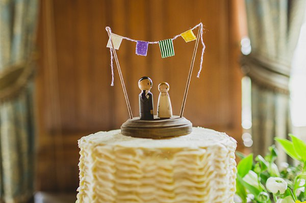rustic bunting wedding cake