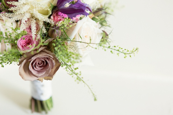 vintage wedding bouquet - Debs Ivelja Photography http://www.debsivelja.com/