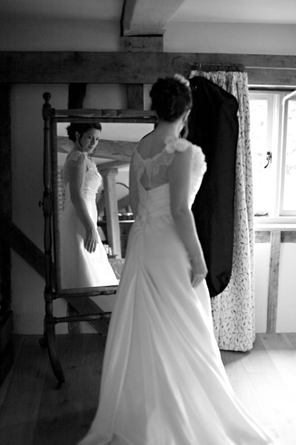 beautiful bride http://www.milkbottlephotography.co.uk/