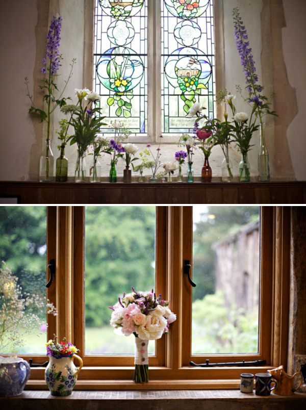church wedding flowers http://www.milkbottlephotography.co.uk/