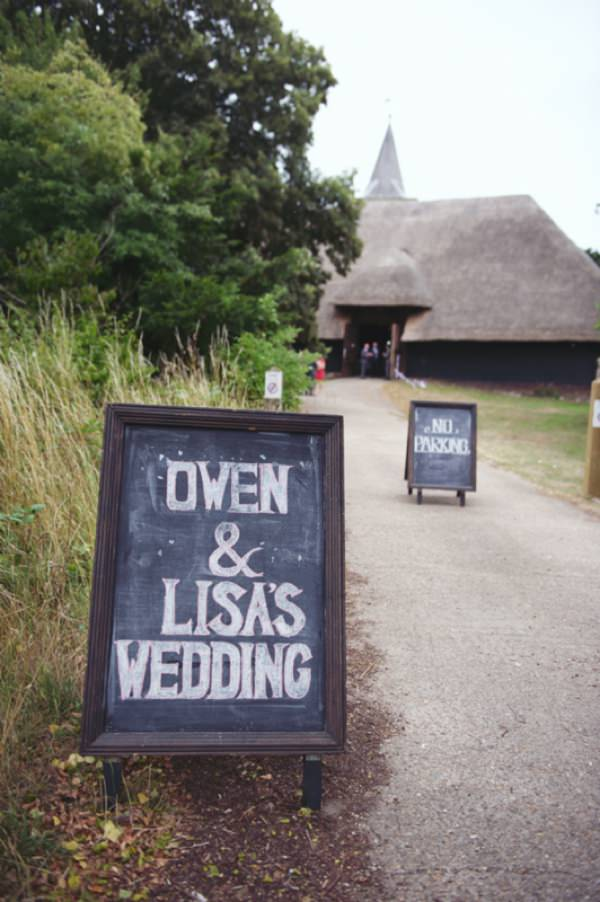 wedding sign blackboard http://www.rebeccadouglas.co.uk/blog/
