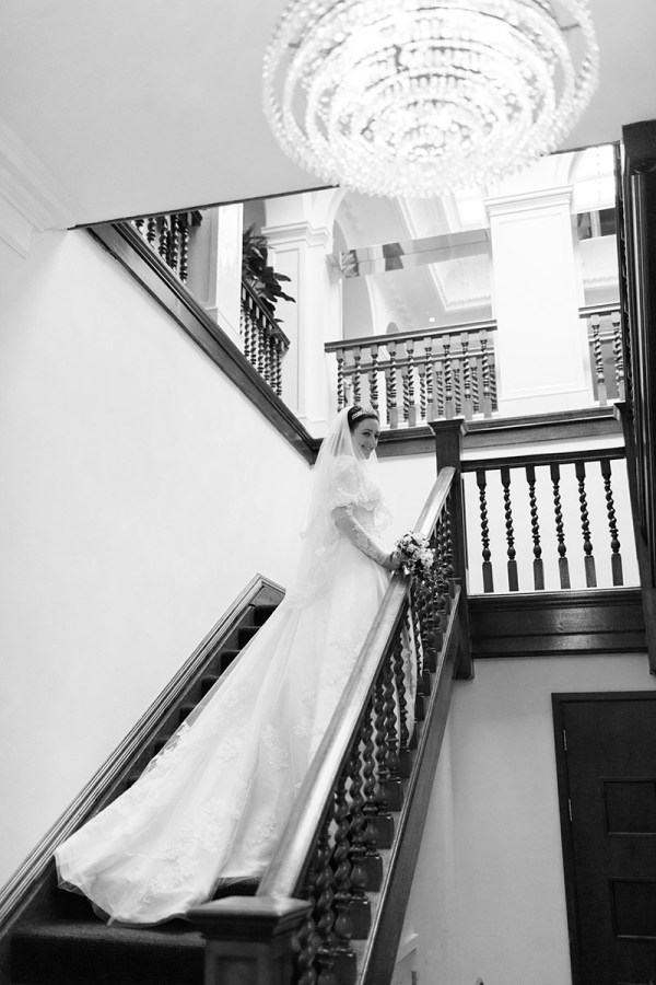 Enzoani bride wedding dress lace sleeves http://www.victoriaphippsphotography.co.uk/