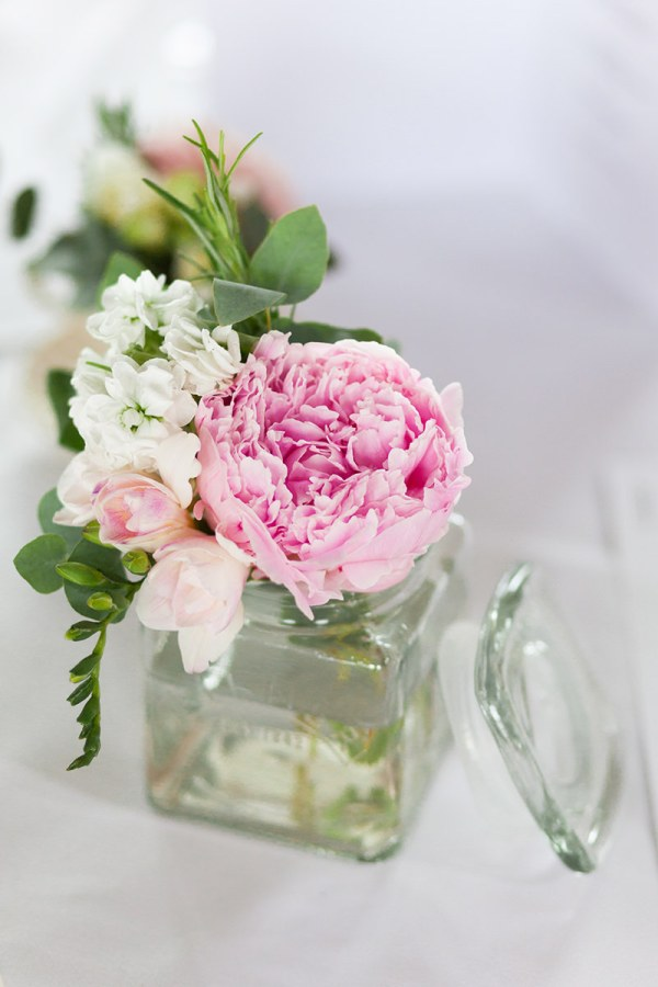 peony wedding flowers  http://www.victoriaphippsphotography.co.uk/
