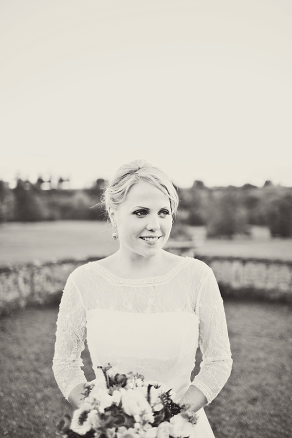 beautiful bride http://www.annaclarkephotography.com/