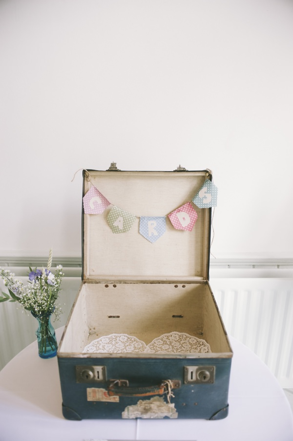 Suitcase Card Box Fun Quirky 1950s Wedding http://www.petecranston.com/