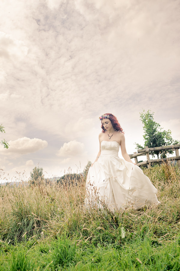 Kula Tsurdiu Wedding Dress Bride Natural Bohemian Vegan Yurt Wedding http://www.ctimages.co.uk/