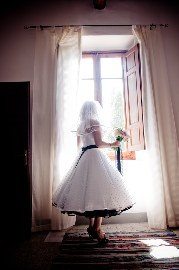 Polka Dot Dress Veil Bride Romantic Tuscany Wedding http://stealthestagephotography.blogspot.co.uk/