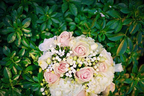 Pretty Pink Summer Marquee Wedding Rose Bouquet http://www.photographybyvicki.co.uk/blog/