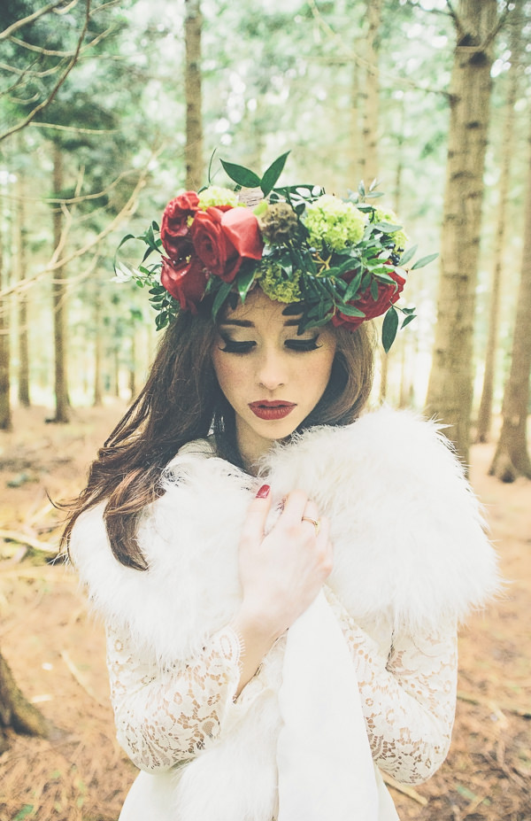 Woodland Wonderland Wedding Ideas Bridal Make Up Red Lips http://www.jessicawitheyphotography.squarespace.com/
