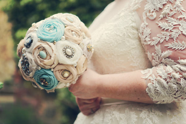 Vintage Garden Party Wedding Fabric Brooch Bouquet Bridal http://helenrussellphotography.co.uk/