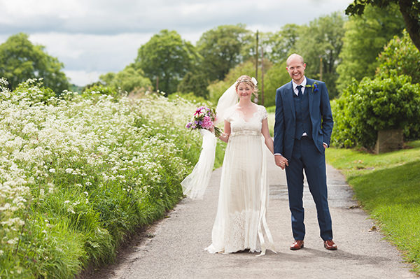 Queen Anne's Lace by CIaire Pettibone Bride Country Folksy Pre-Raphaelite Wedding http://www.georgimabee.com/