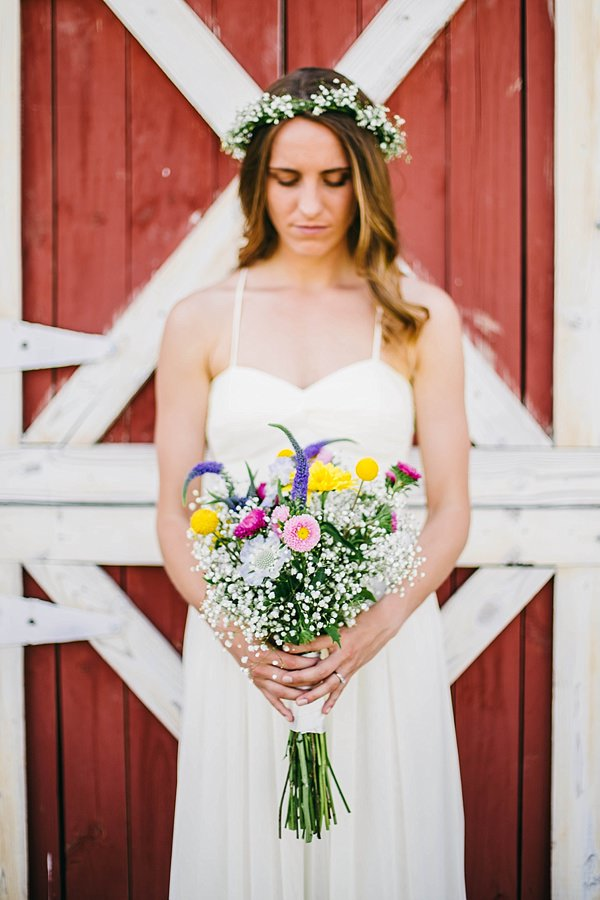 Indie Barefoot Farm Wedding Wild Natural Bridal Bouquet http://jackandhannah.com/