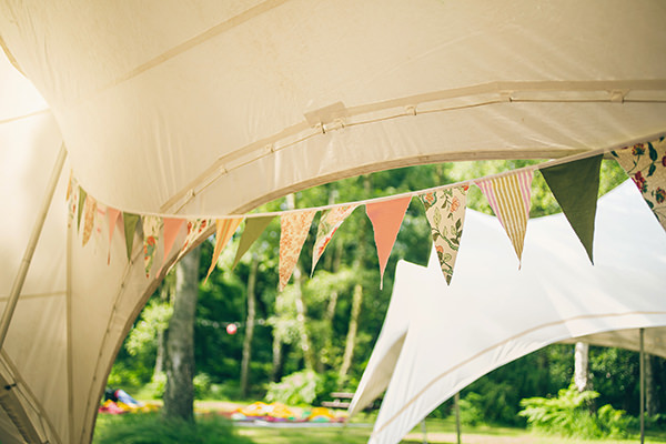 Quirky Campsite Outdoor Wedding Bunting http://www.lifelinephotography.co.uk/