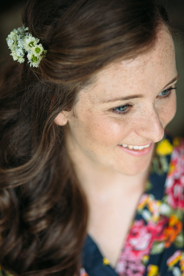 Country Rustic Tipi Wedding Flowers Wavy Hair Bride http://www.redonblonde.com/