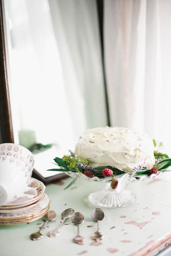 Beautiful Summer Provence Flower Wedding Ideas Rusic Cake Berries http://www.brittspring.com/