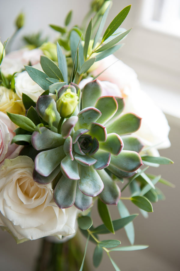 Pretty Country Garden Wedding Succulent Rose Bridal Bouquet Flowers http://fionasweddingphotography.co.uk/