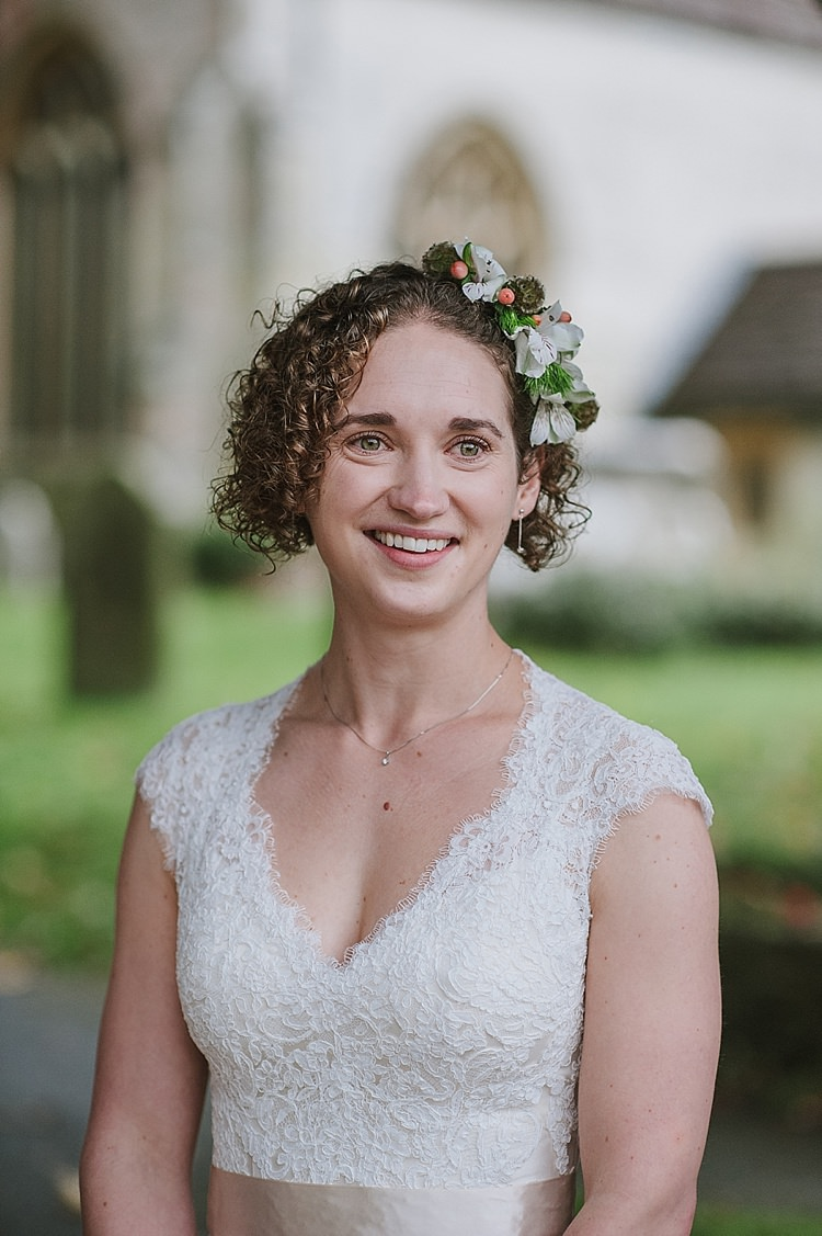 Pretty Natural Make Up Bride Bridal Relaxed Rustic Autumn Barn Wedding http://karenflowerphotography.com/