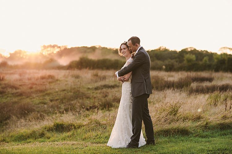 Relaxed Rustic Autumn Barn Wedding http://karenflowerphotography.com/