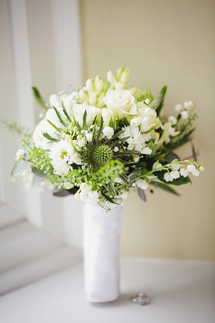 Thistle Boquet Flowers Bride Bridal Natural Country Pub White Wedding http://www.gemmawilliamsphotography.co.uk/