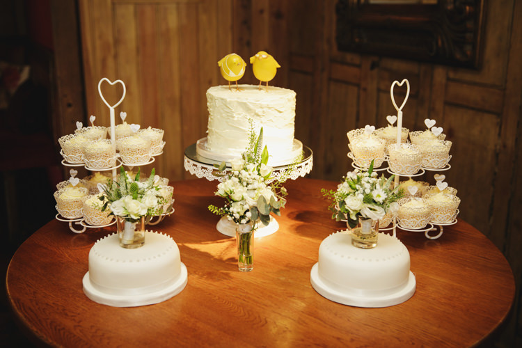 Cake Table Cupcakes Natural Country Pub White Wedding http://www.gemmawilliamsphotography.co.uk/