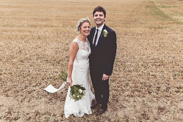 Rural Rustic Relaxed Barn Wedding http://annaclarkephotography.com/