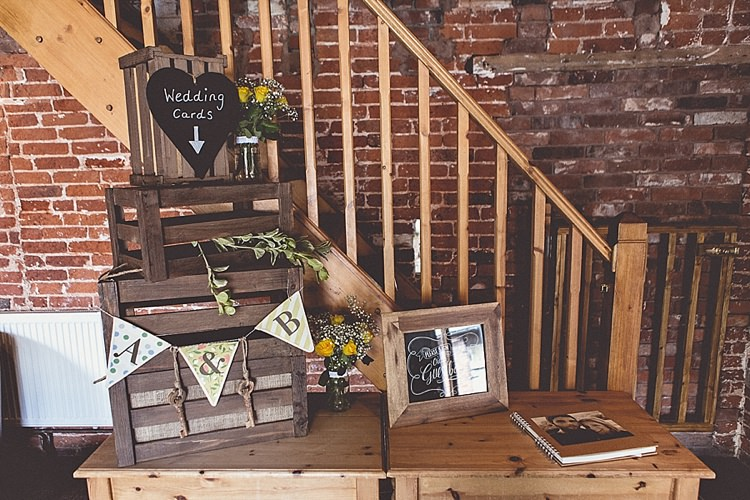 Cards Crate Rural Rustic Relaxed Barn Wedding http://annaclarkephotography.com/