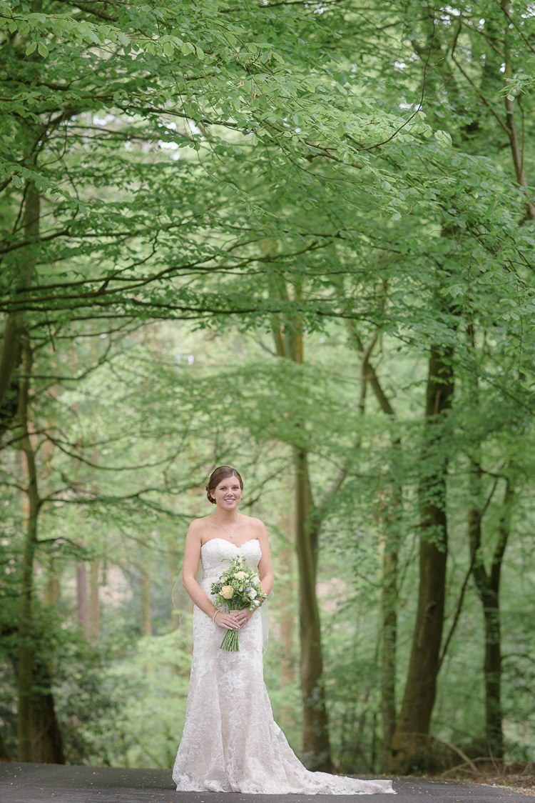 Pretty Natural Rustic Woodland Wedding http://riamishaal.com/