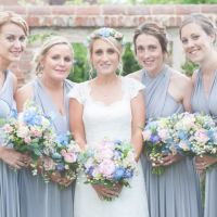 Floral Pretty Country Garden Wedding http://lisahowardphotography.co.uk/