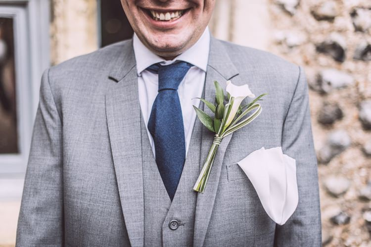 Cala Lily Buttonhole Masculine Simple Rustic Pub Wedding http://www.neilwilliamshaw.co.uk/