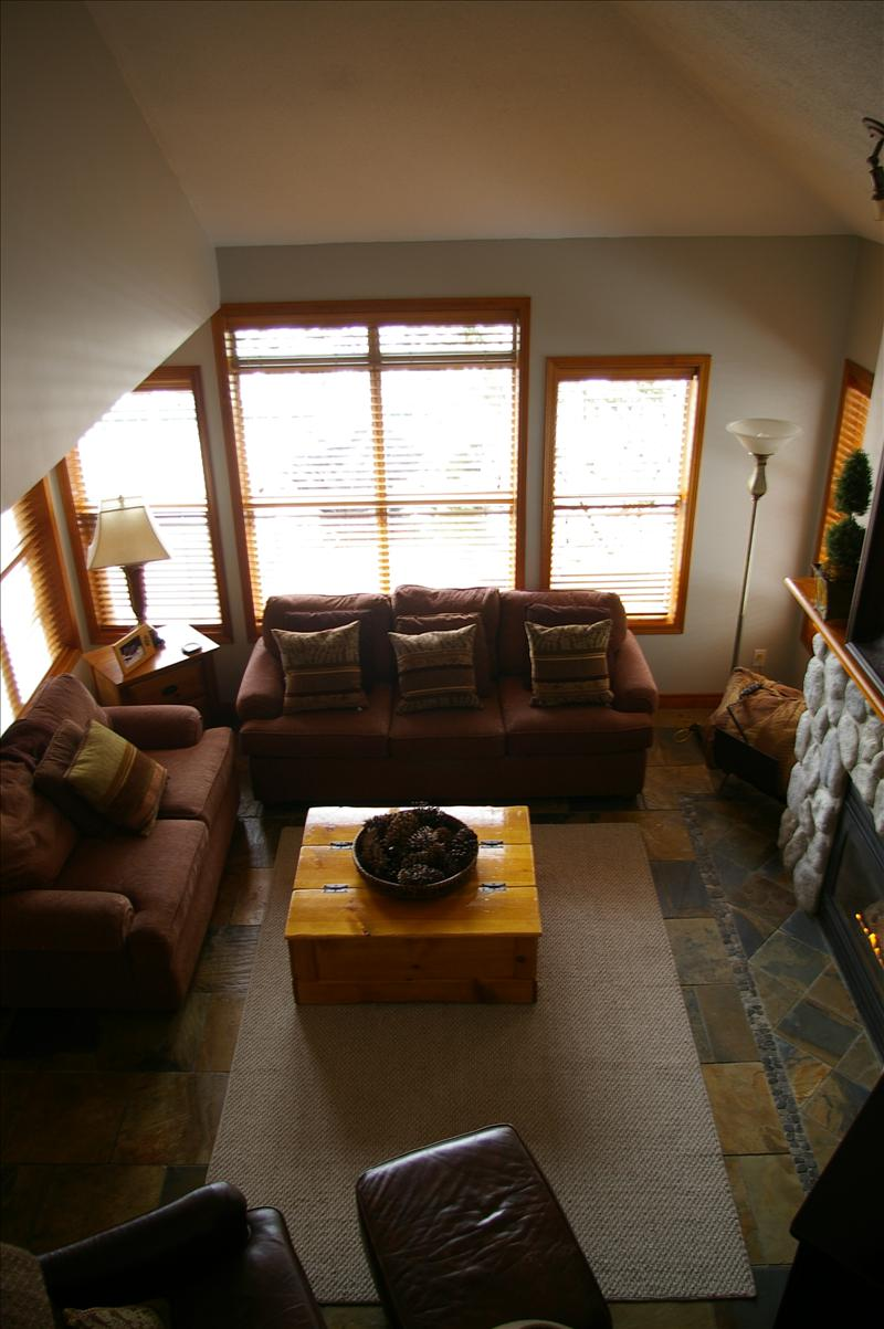 Whistler arrowhead point vacation rentals whistler for Cabine in whistler