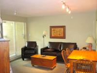 Peaceful & Quiet Central Suite - Walk to Lifts, Free Wifi! Pictures