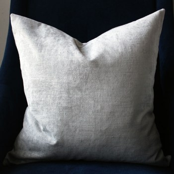 gray velvet pillow | home decor | glamorous decor | velvet decor