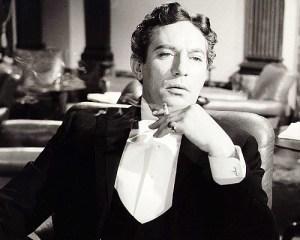 Peter Finch as Oscar Wilde